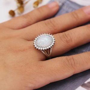 Gorgeous 925 Silver Women Oval Cut White Opal Ring